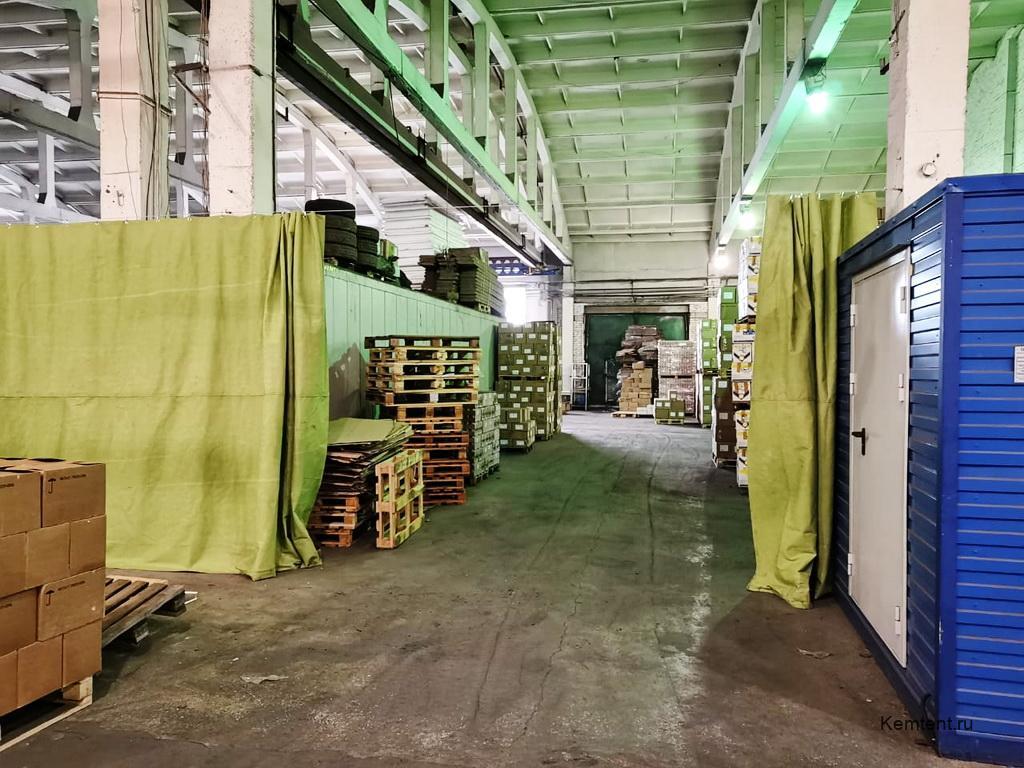 Завеса из брезента на склад